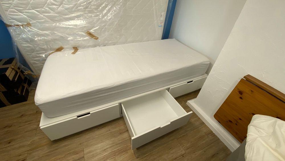 Lit 2 places + matelas 20 cm + sur matelas + lit enfant  550 Colombes (92)