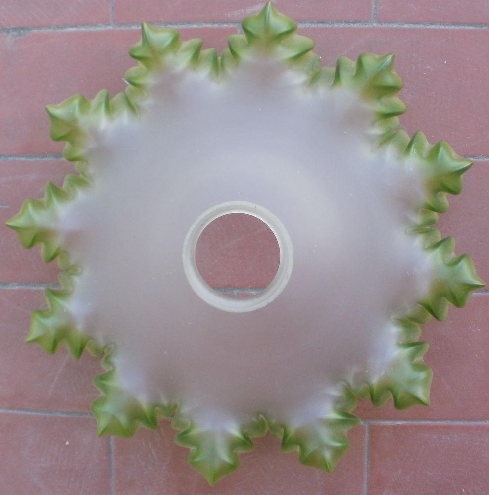 plafonnier corolle, abat jour verre blanc, rebords dentelle  12 Montauban (82)
