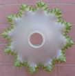 plafonnier corolle, abat jour verre blanc, rebords dentelle  Montauban (82)