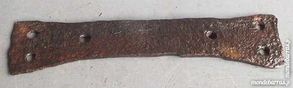Plaque ancienne de renfort;(Ports compris). 10 Le Temple-sur-Lot (47)