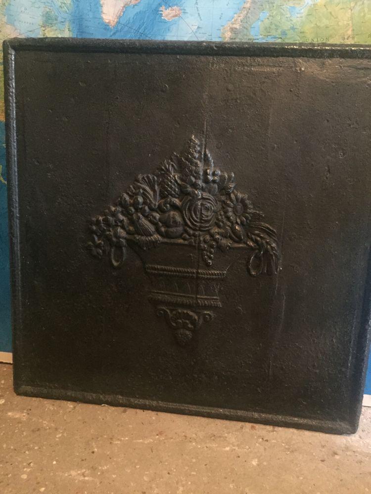Plaque de cheminée ,porte-bûche , pare-étincelles 150 Boissy-Saint-Léger (94)