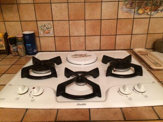 plaque de cuisson brandt 3 feux gaz et 1 électriques  30 Thiais (94)