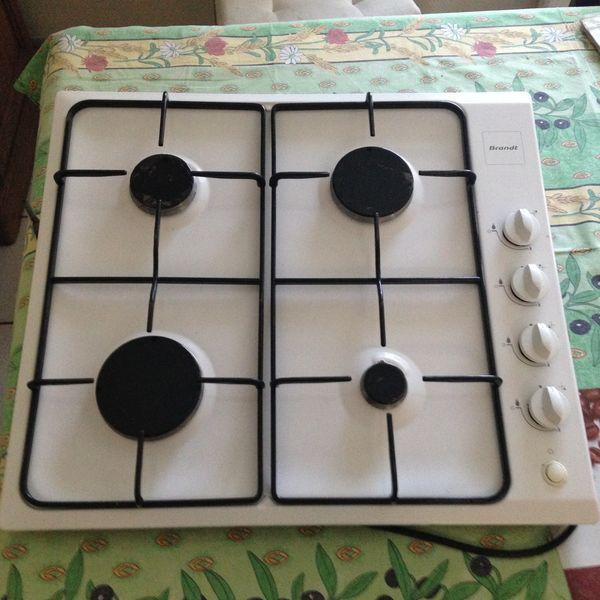 Plaque de cuisson 4 feux 20 Grandchamps-des-Fontaines (44)