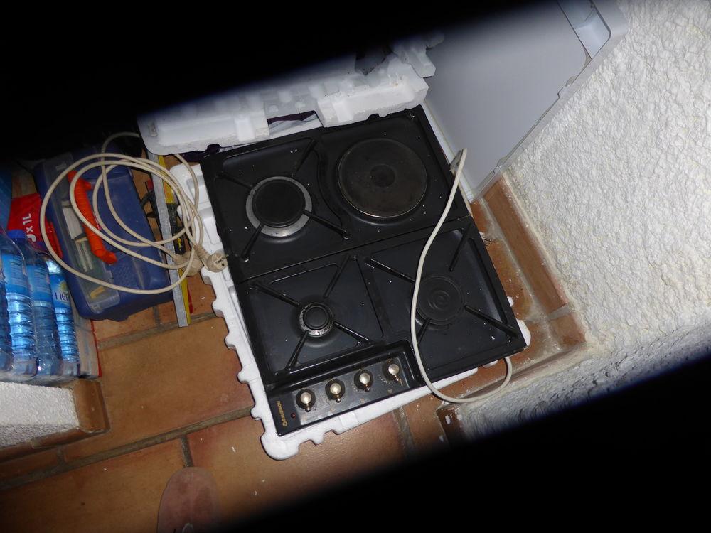 Plaque de cuisson rosieres 3 feux gaz 1 plaque électrique