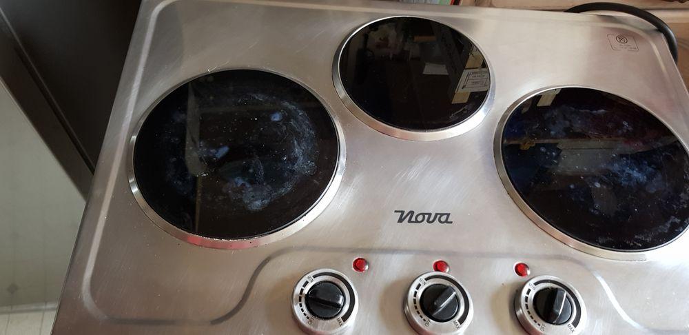 Plaque cuisson vitrocéramique +appareil a raclette/à hotdog  40 Sarcelles (95)
