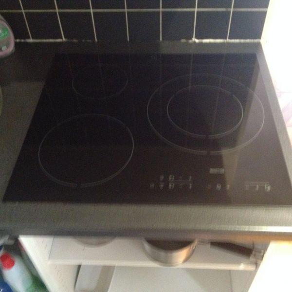 plaques de cuisson occasion paris 75 annonces achat et vente de plaques de cuisson. Black Bedroom Furniture Sets. Home Design Ideas