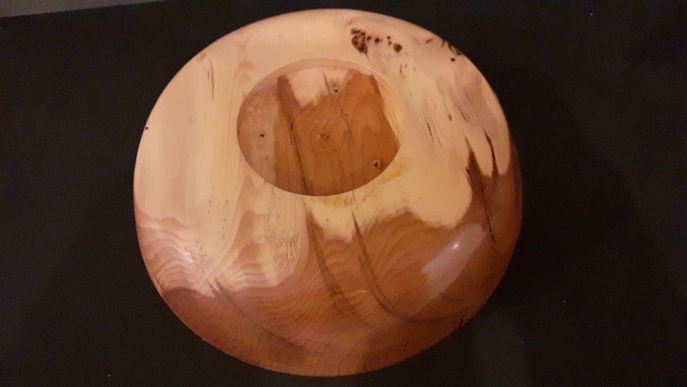 Un plat en bois de I F 15 Lamotte-Beuvron (41)