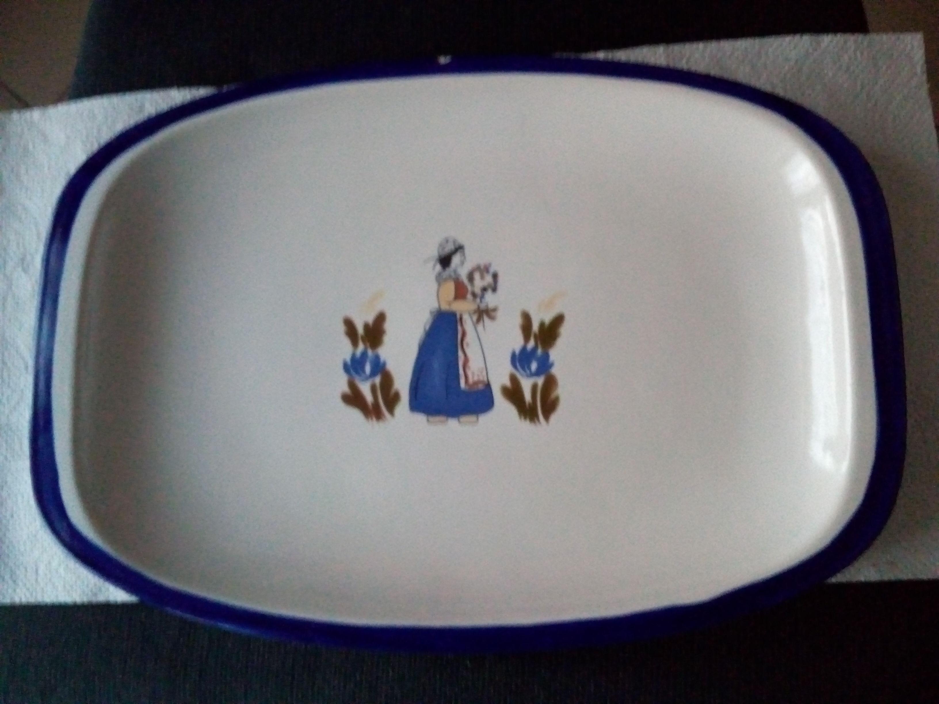 Plat ovale à liseré bleu décor breton avec leur ravier 30 Savigny-sur-Orge (91)