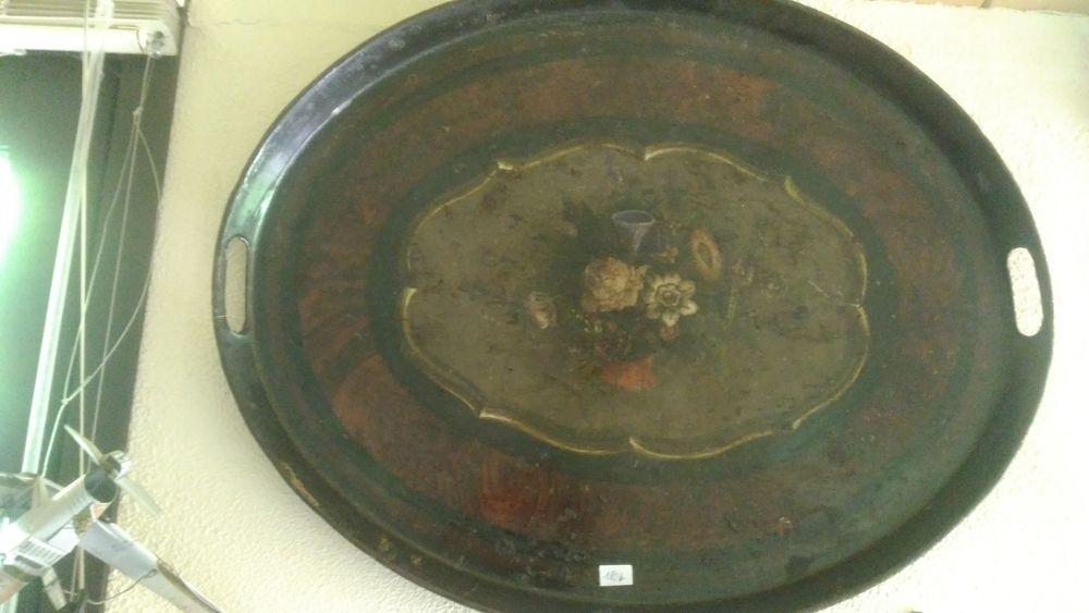 plateau /tableau motif fleurs . ANCIEN 60 Les Brouzils (85)