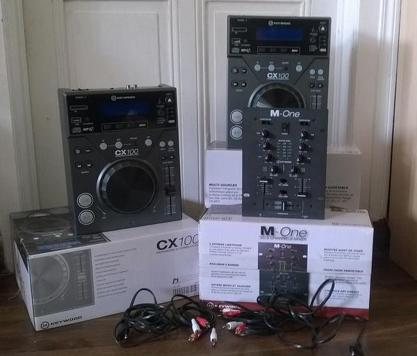 Platine Keywood CX100 + table de mixage 260 Montigny-sur-Vence (08)