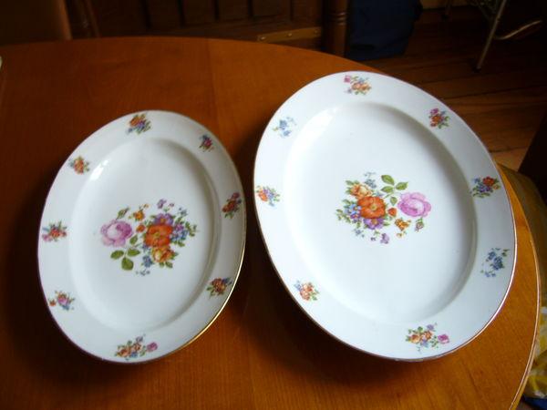 2 plats service rétro porcelaine Lourioux 25 Paris 18 (75)