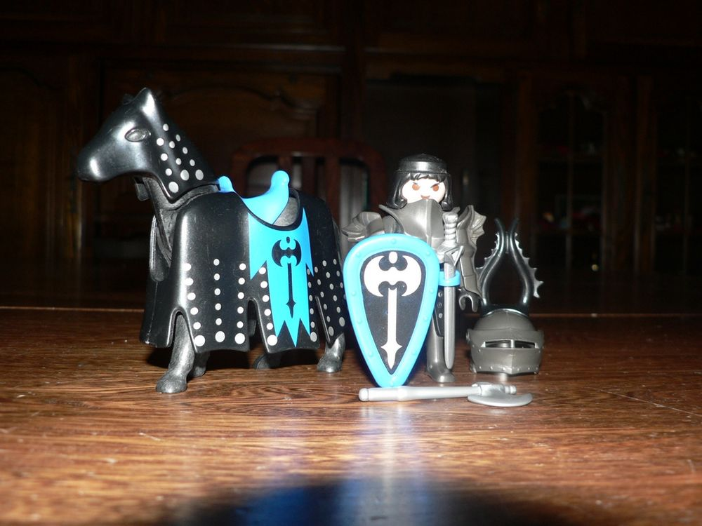 Playmobil 3315 Chevalier Noir & cheval 7 Trilport (77)