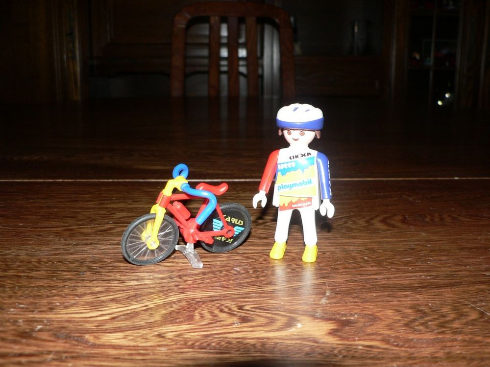 Playmobil 3846 Coureur cycliste 3 Trilport (77)