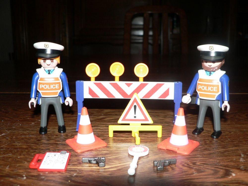 Playmobil 3906 Agents circulation 5 Trilport (77)