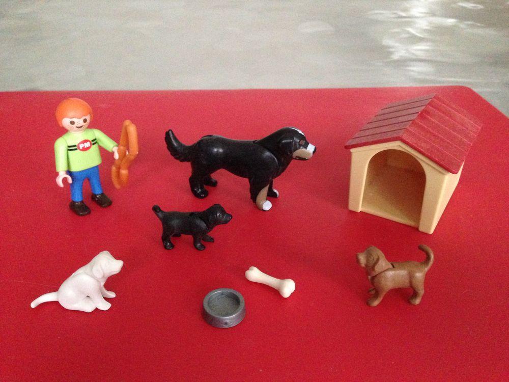 Jeu Playmobil N° 4498 complet, l'enfant et famille de chien  12 Saint-Vallier (71)