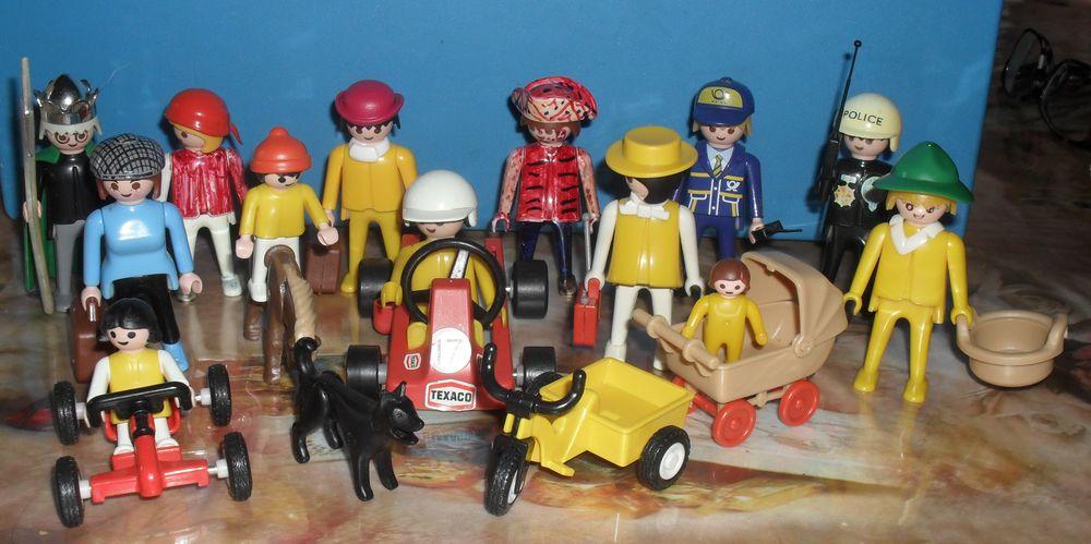 Playmobil .10 adultes divers, 2 enfants, 1 bébé etc 35 Montreuil (93)