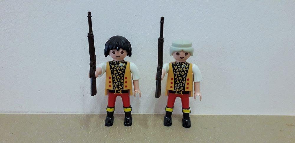 2 Playmobil armés 3 Reims (51)