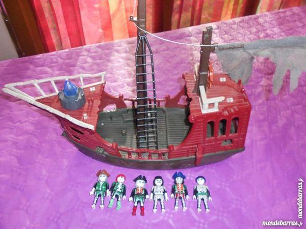 playmobil bateau pirate fantome 12 Mignères (45)
