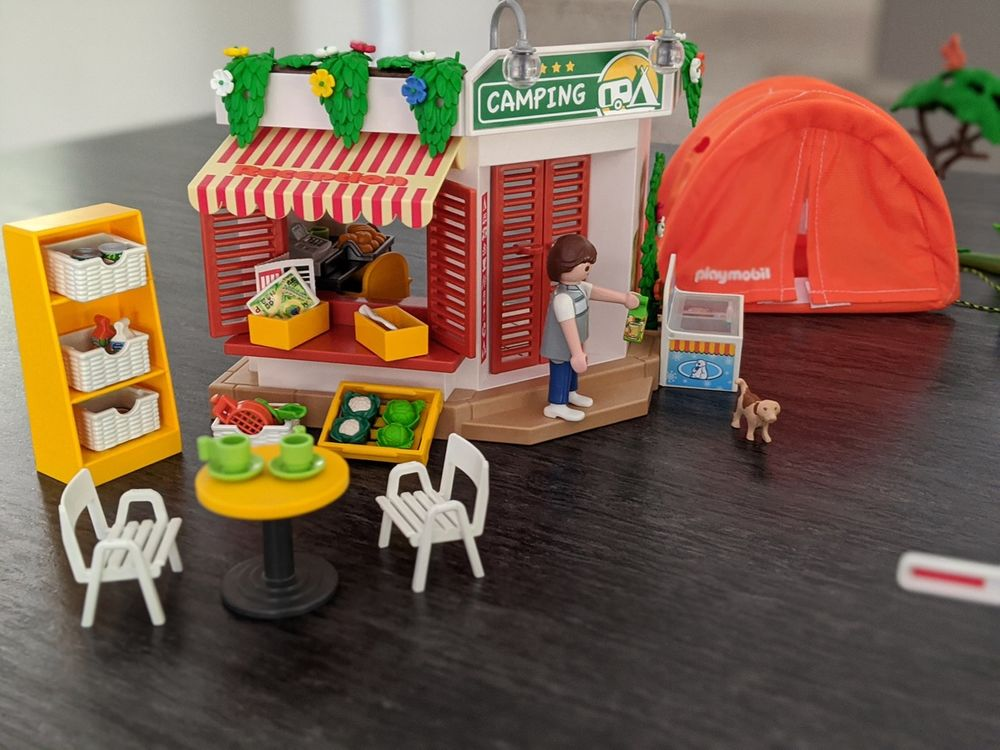 Playmobil Camping, complet, comme neuf 45 Saint-Pierre (97)