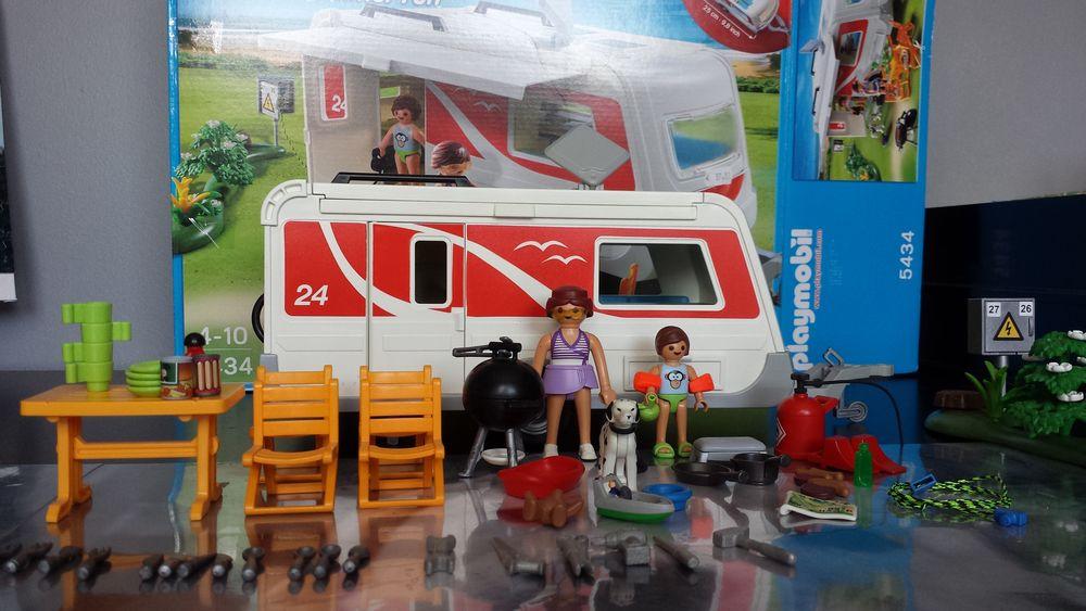 Playmobil caravane  35 Annezin (62)