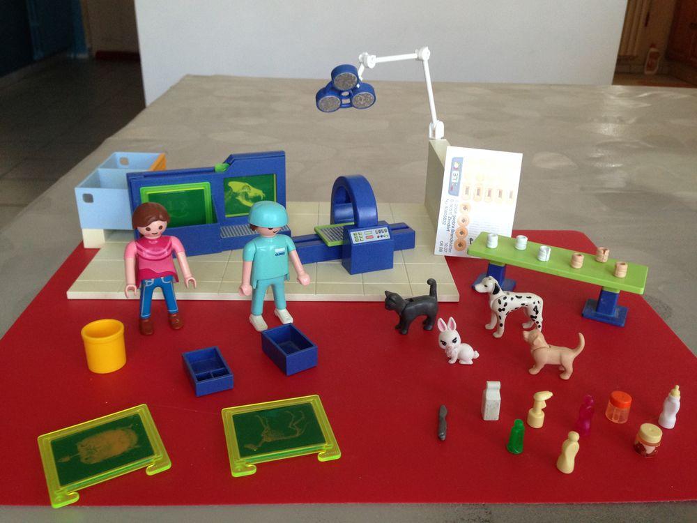 Playmobil, centre de radio et salle d'opération.  23 Saint-Vallier (71)