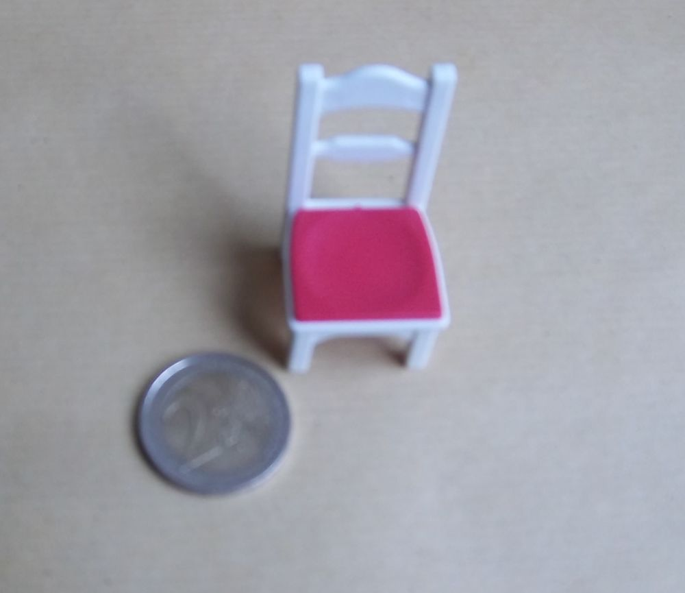 PLaymobil chaise blanche/rouge 2 Colombier-Fontaine (25)