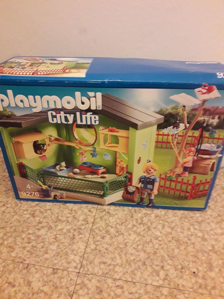 Playmobil   City Life   numéro 9276 15 Caen (14)