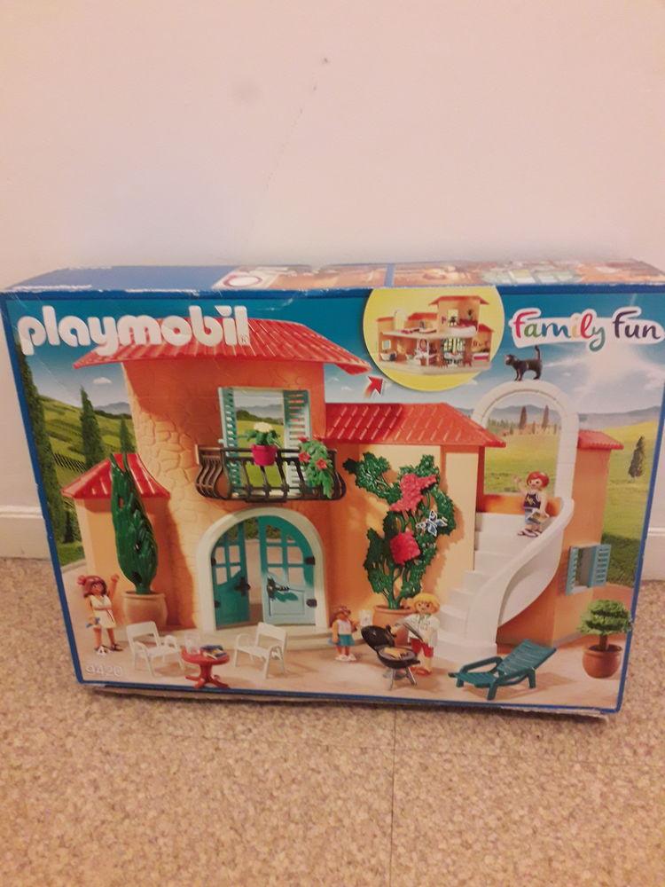 Playmobil   family Fun   numéro 9420 .  50 Caen (14)