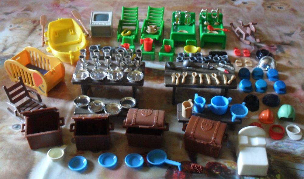 Playmobil de nombreux accessoires. 50 Montreuil (93)