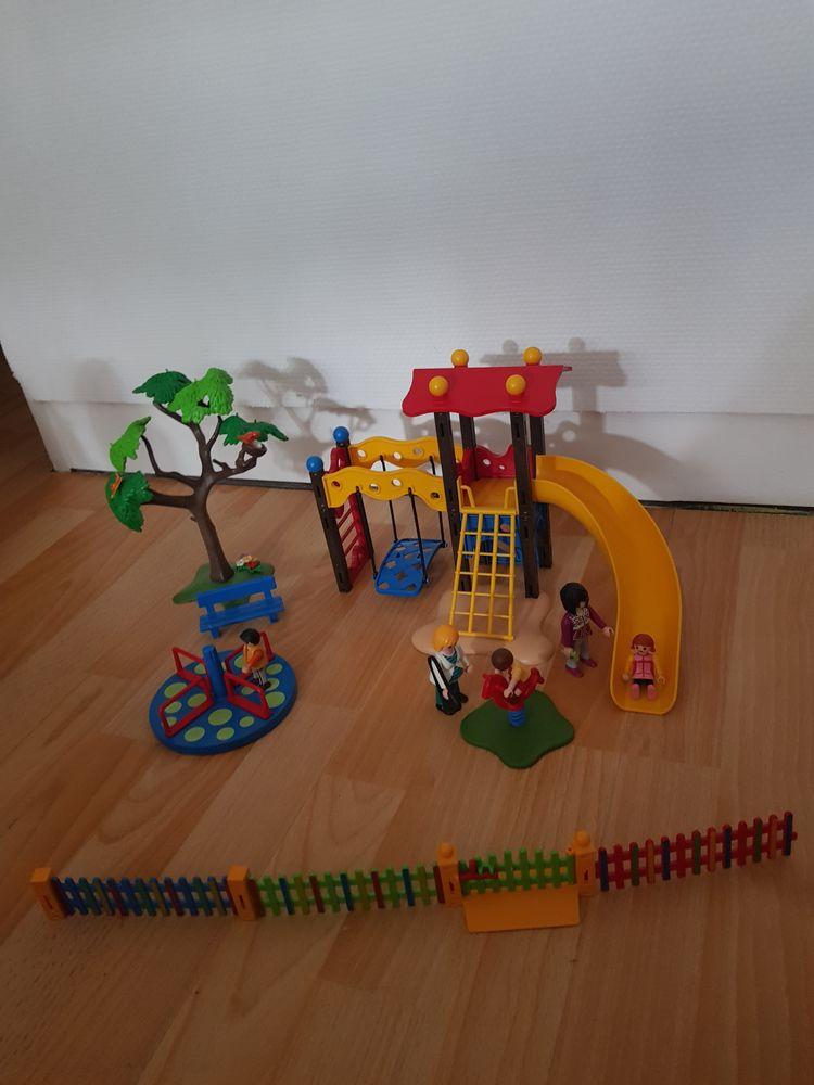 Playmobil square pour enfants  12 Villiers-le-Bel (95)