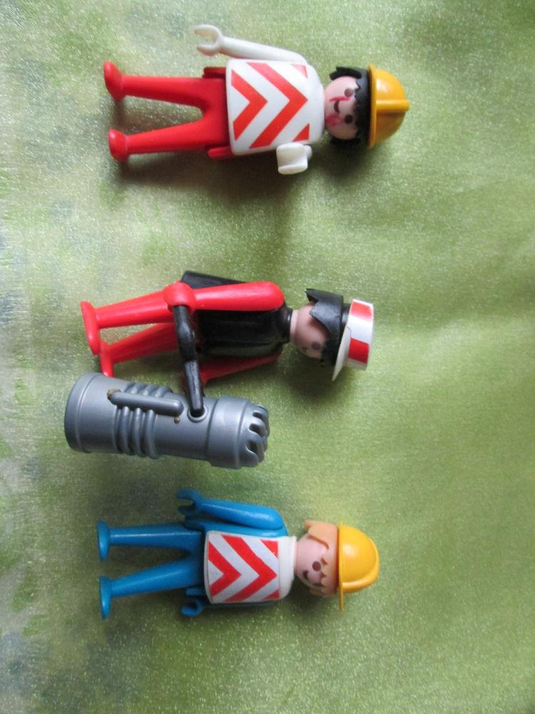 3 Playmobil travaux avec accessoires 18 Goussainville (95)