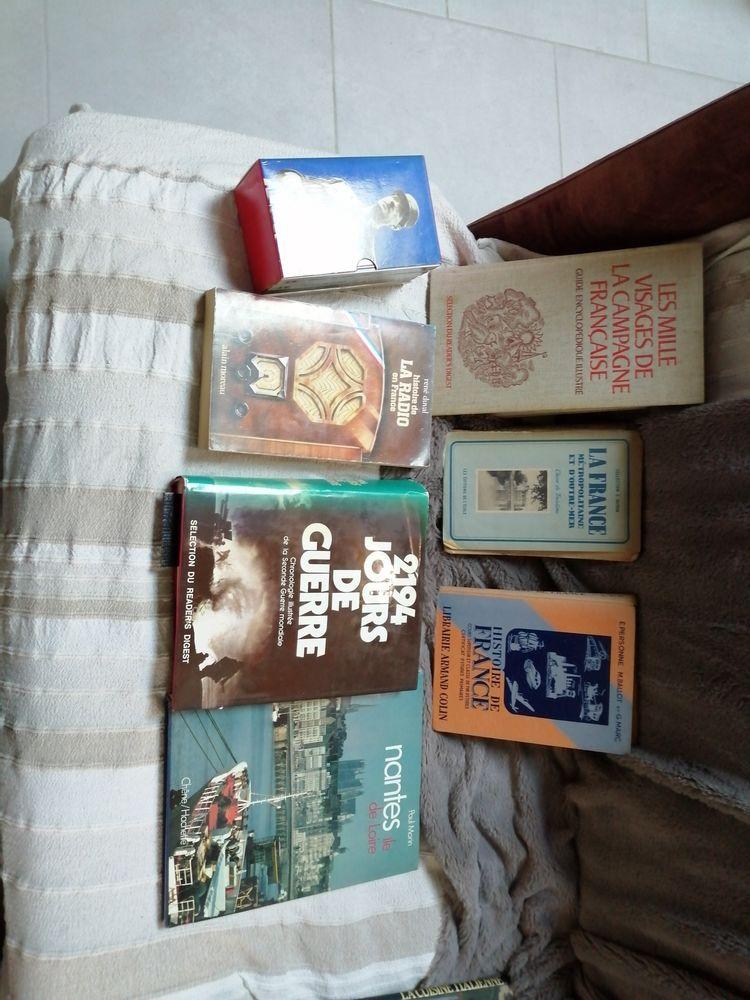 plus de 1400 livres de toute categories 0 Moulin-Neuf (24)