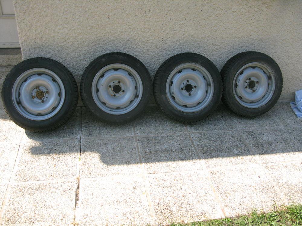 4 pneu  neige monté sur jante (neuf) 400 Issou (78)