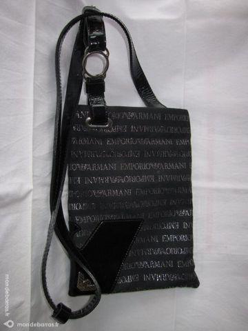 Achetez pochette armani occasion, annonce vente à Chalon-sur-Saône ... 4ee0b8f74a9