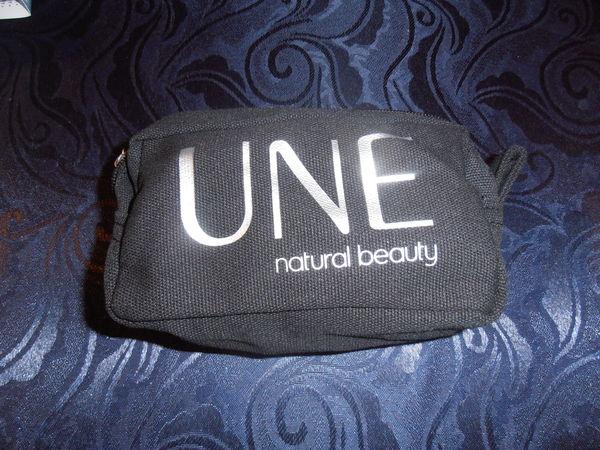 Pochette noire  UNE  (77) 3 Tours (37)