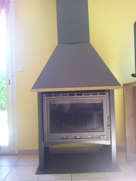 poeles bois occasion en bretagne annonces achat et vente de poeles bois paruvendu. Black Bedroom Furniture Sets. Home Design Ideas