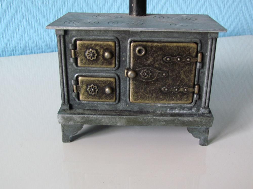 Poéle miniature de décoration 20 Le Grau-du-Roi (30)