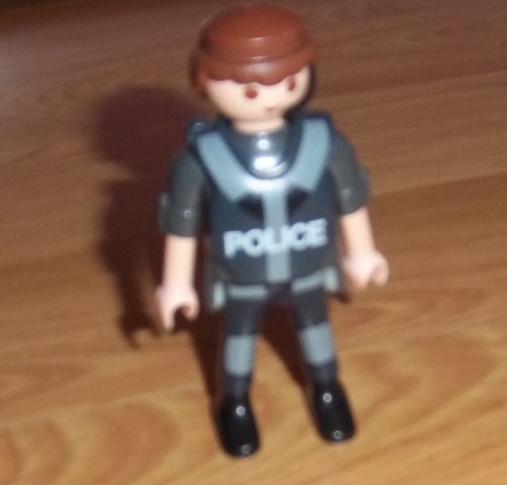 policier playmobil 1997 2 Colombier-Fontaine (25)