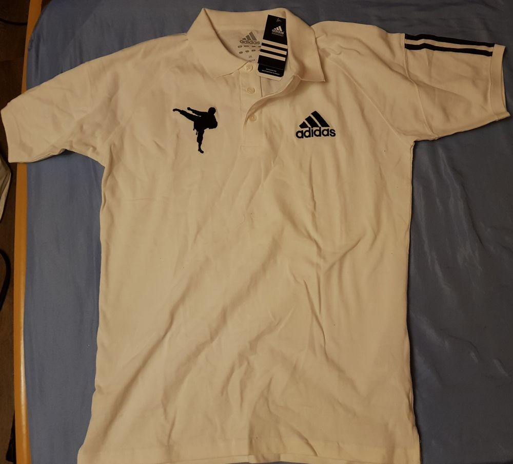 Polo Adidas karaté  0 Évry (91)