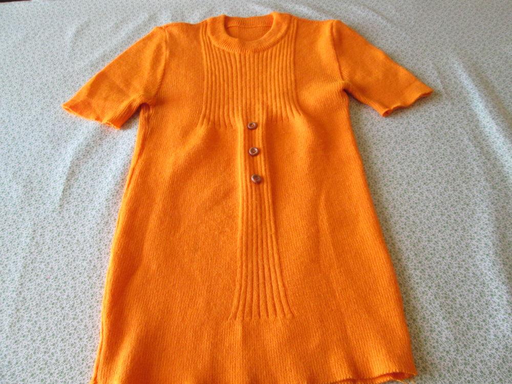 Polo orange fille très bon état   10 Bourgoin-Jallieu (38)