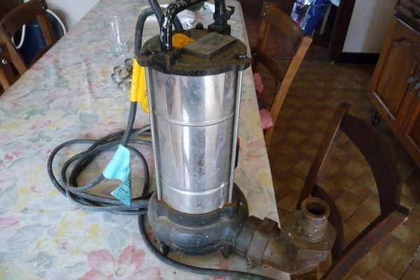 pompe CAPRARI MXV eaux usées 400 Rochechouart (87)