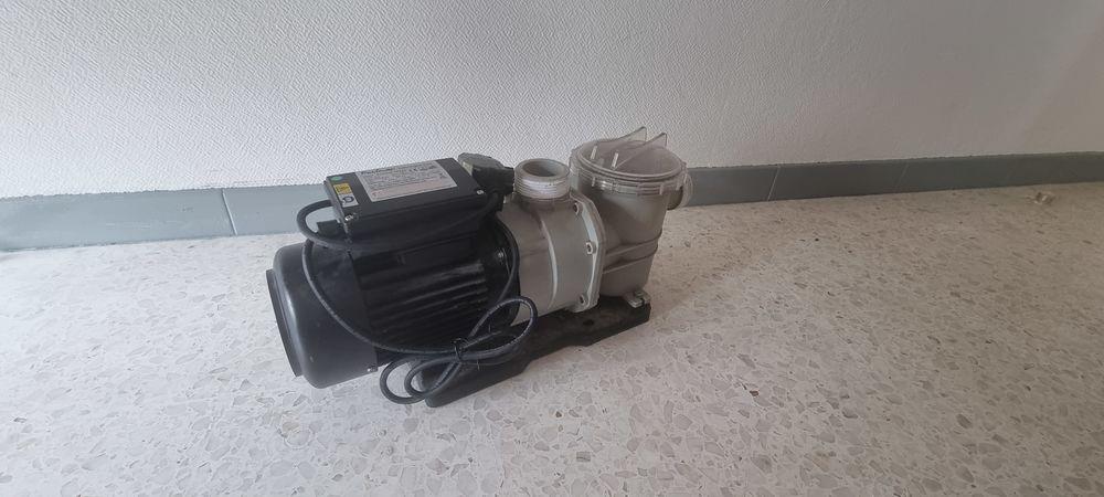 Pompe de piscine Poolmax TP 150 200 Arles (13)