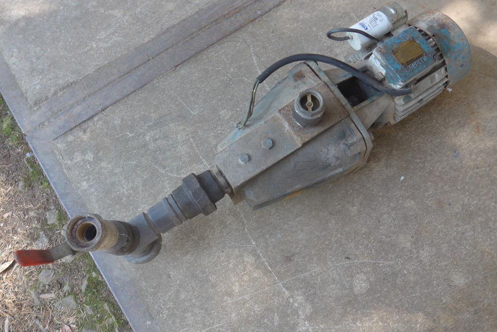 Pompe de surface CALPEDA NGM 5/16  100 Saint-Florent-le-Vieil (49)