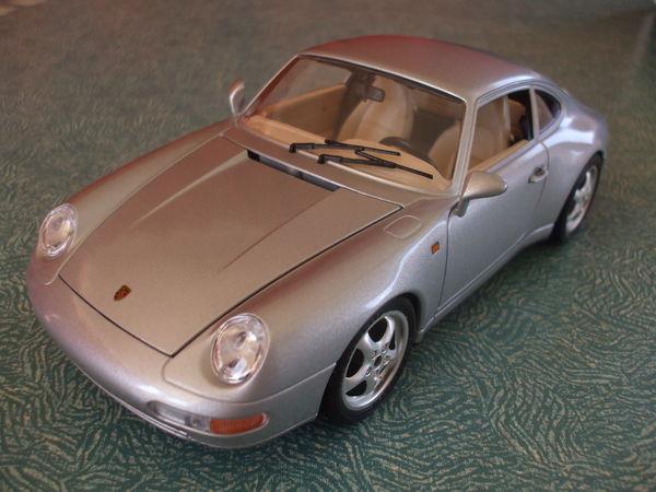 PORSCHE  911  CARRERA  1993 27 Ornaisons (11)