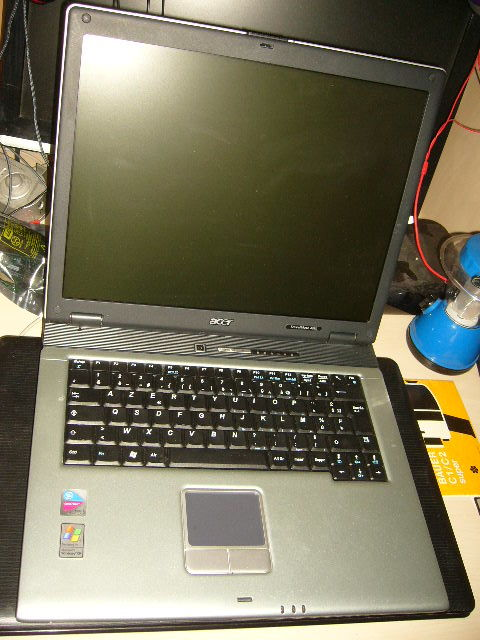 pc portable Acer travelmate 4050 80GB 512MB Matériel informatique