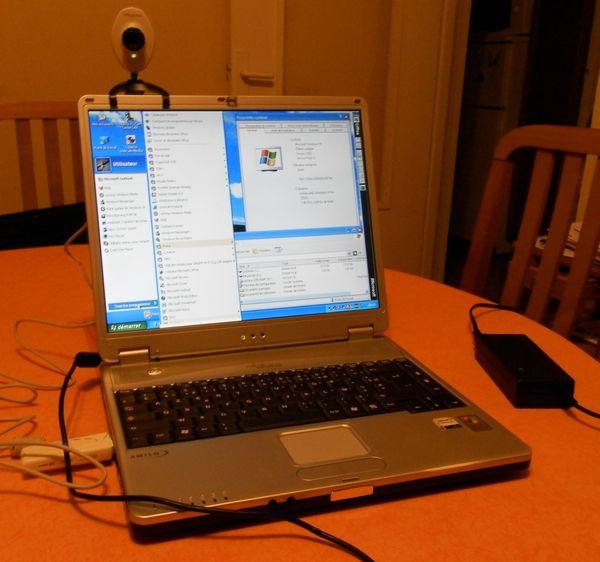 PC Portable Fujitsu-Siemens Wifi graveur DVD Matériel informatique