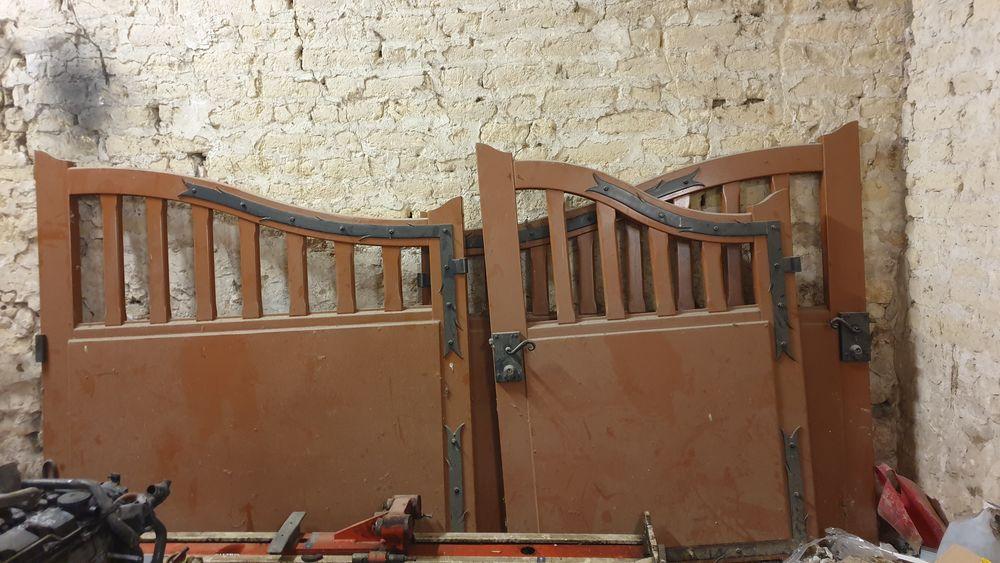 portail et portillon en bois exotique   180 Noyen-sur-Seine (77)