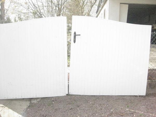 Achetez portail pvc portail occasion annonce vente for Portail jardin pvc