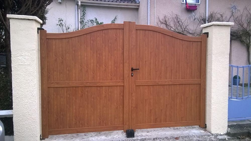Vente portail fabulous portail coulissant alu with vente portail portail en bois coulissant for Achat portail