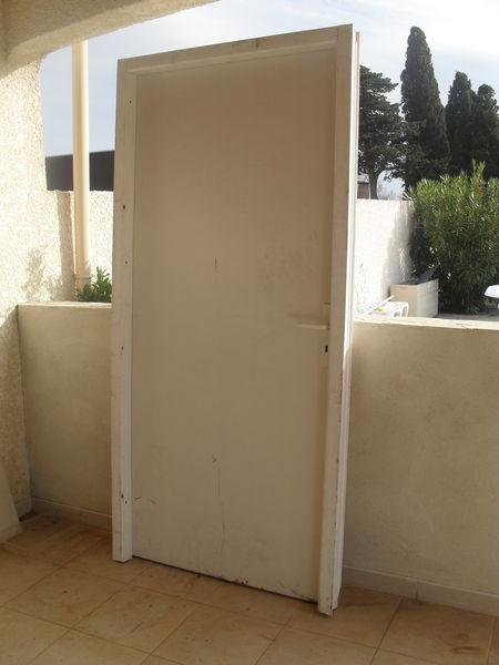 Achetez porte avec huisserie occasion annonce vente narbonne 11 wb149617135 - Changer huisserie porte ...